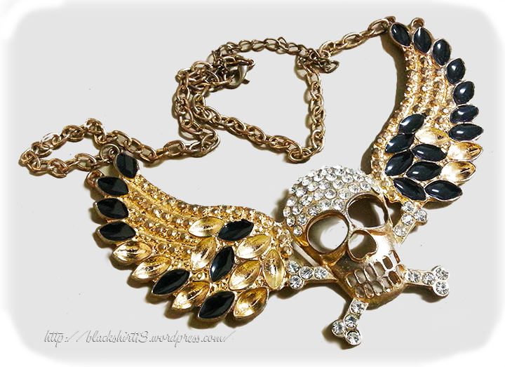 skull-wings necklace